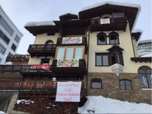 Davos protesthus