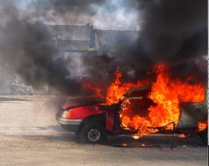 Bil i brann